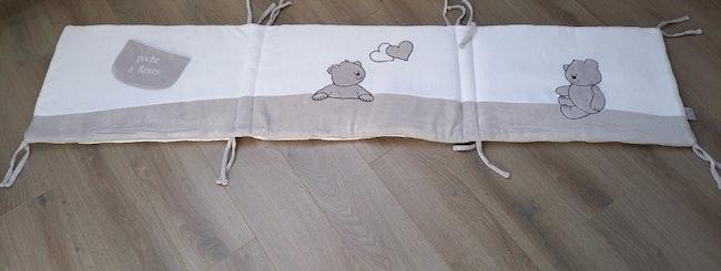 Tour de lit bébé ourson