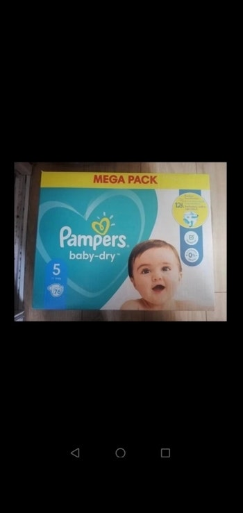 76 couches Pampers taille 5 11/16kgs neuf