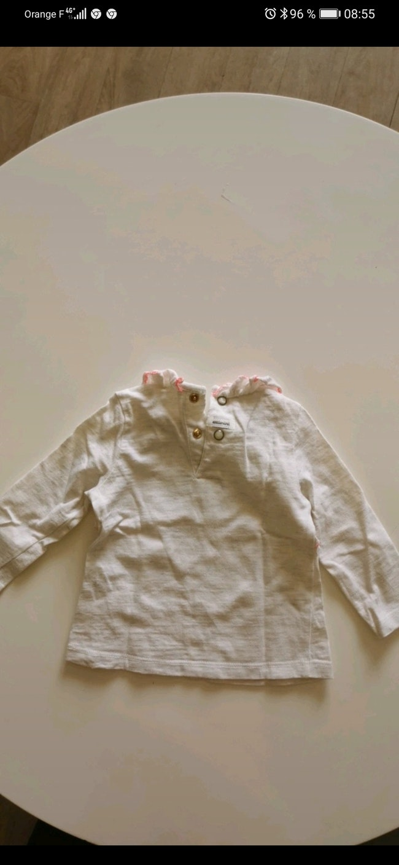 Tee-shirt manche longue Catimini taille 9 mois.