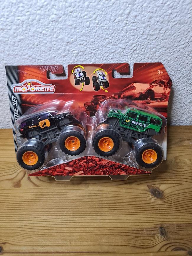 lot de 2 monster truck majorette