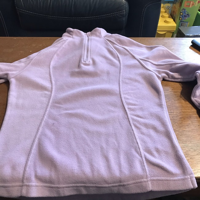 Pull polaire violet