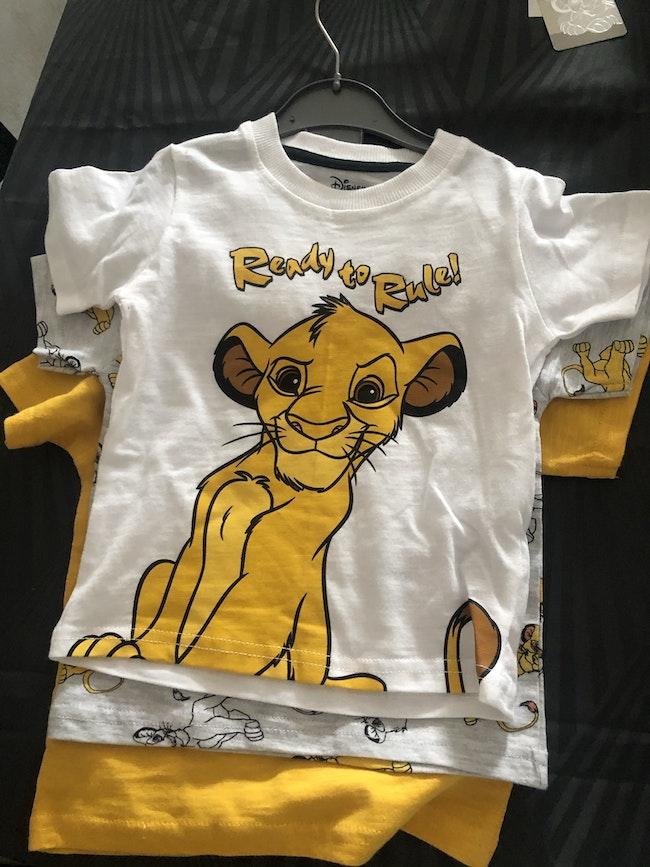 Lot 3 t-shirts 9/12 mois roi lion neuf et étiqueté