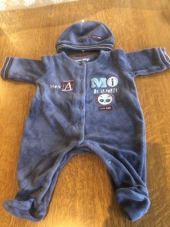 Pyjama en velours bébé garçon et son bonnet