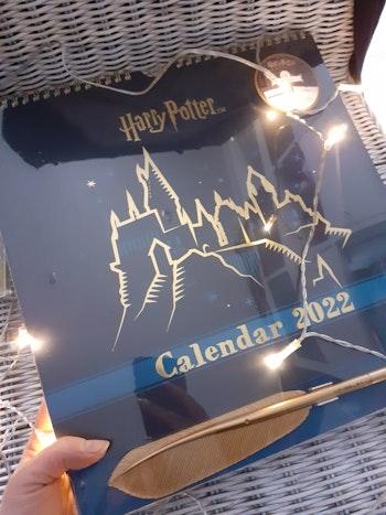 Grand calendrier Harry Potter avec plume stylo