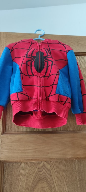 Gilet spiderman taille 4ans(104cm)
