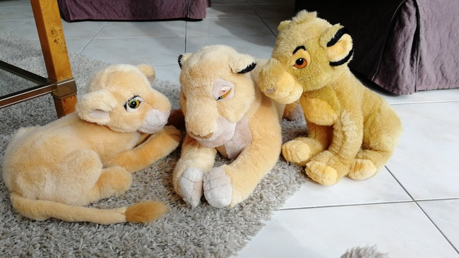 3 Peluches Roi Lion