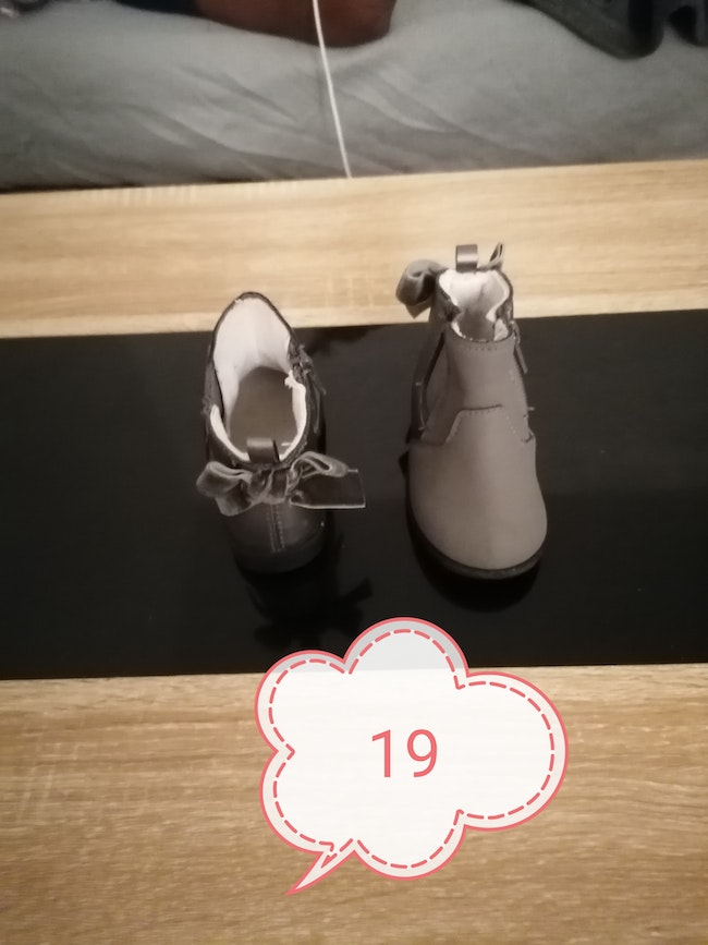 Chaussure taille 19
