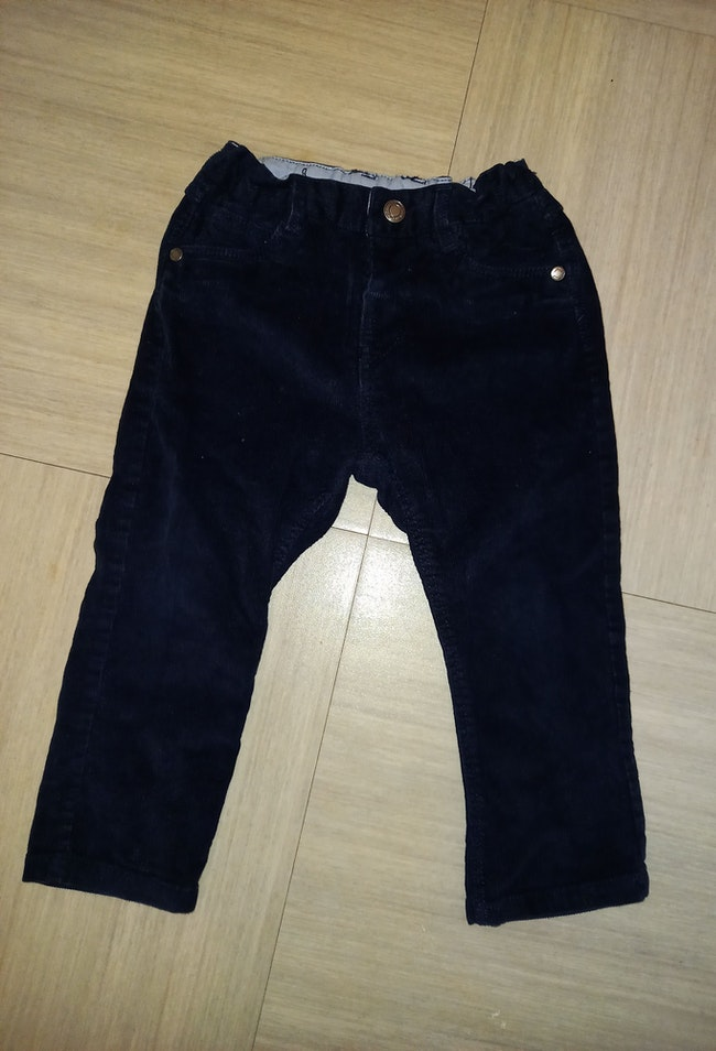 Pantalon velours léger Zara
