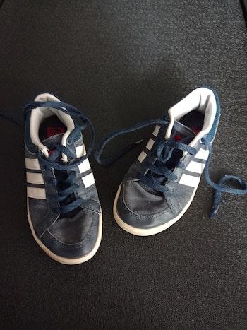 Baskets Adidas pointure 33