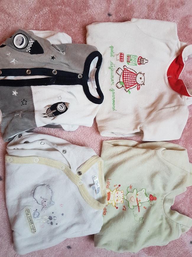 Lots des 4 pyjamas  manche longues  naissance 1 mois