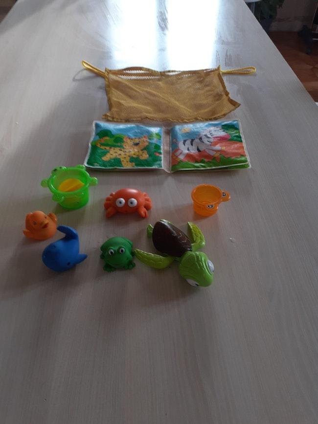 Lot jouets pour le bain