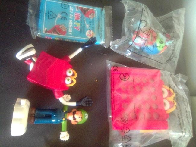 Lot jouets figurines