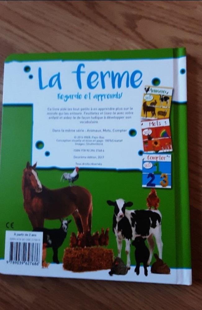 Livre cartonné neuf sur le monde de la ferme