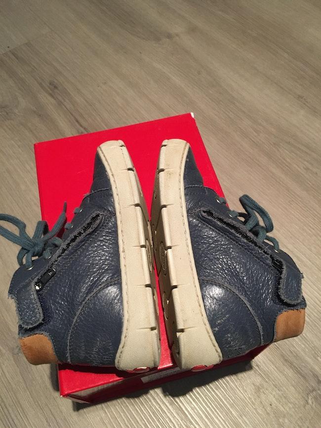 Baskets cuir bleu Pom d'Api pointure 25