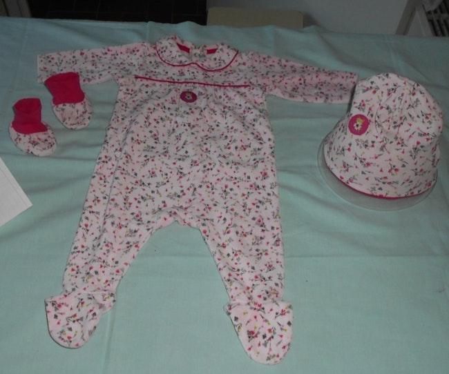 Ensemble pyjama + chaussons + bonnet Catimini