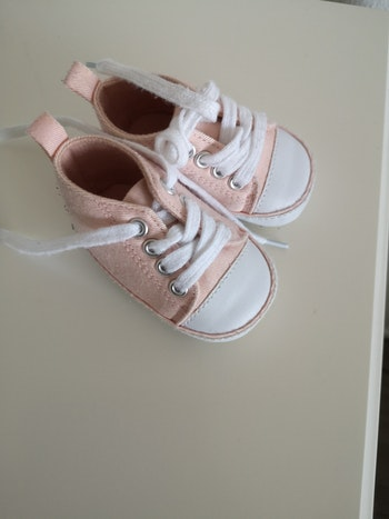 Baskets bébé fille 3-6 mois