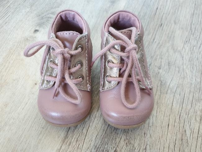 ♥️ chaussure fille bébé taille 18
