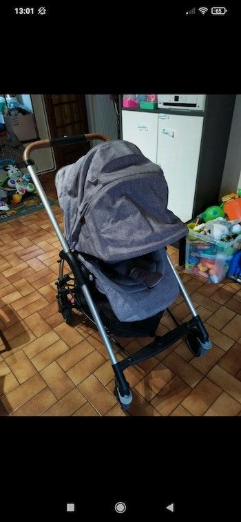 Poussette Mya grise bébé confort