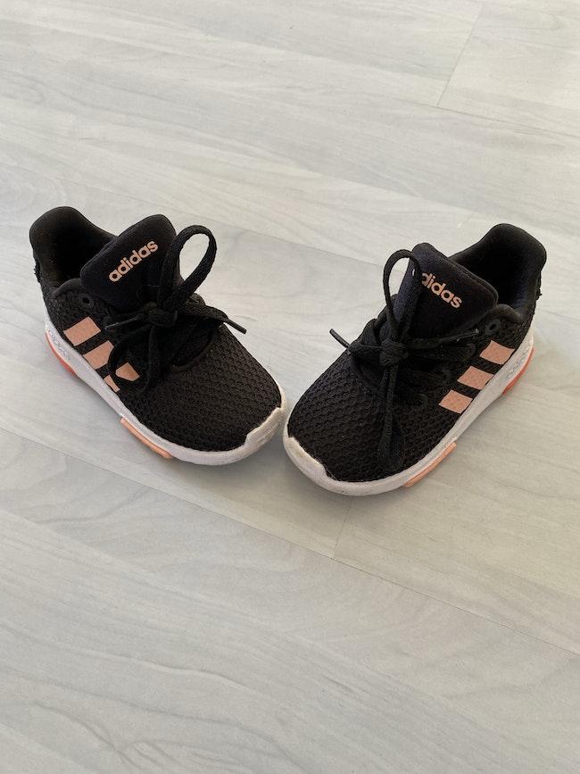 Baskets adidas t23