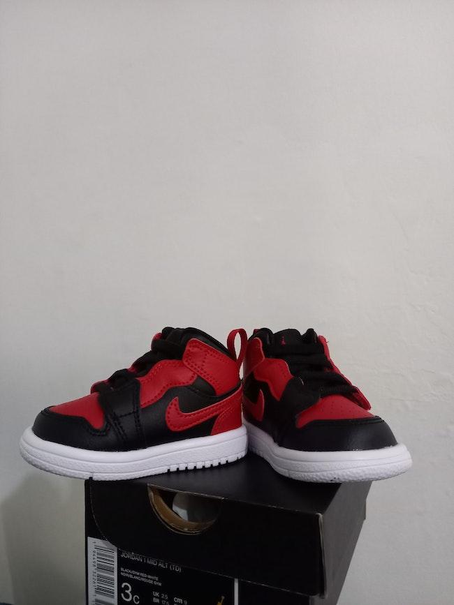 Jordan  montante rouge