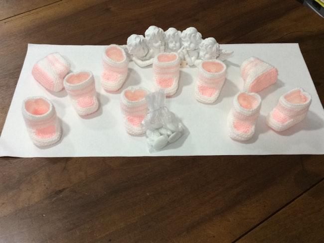 Déco baptême lot de 10 chaussons bébé laine rose
