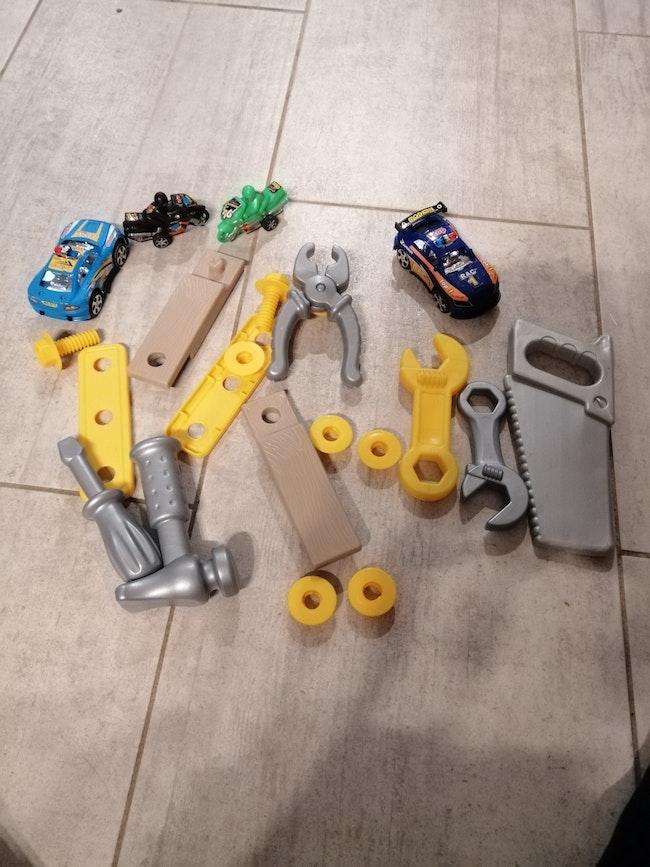 Lot jouets 9