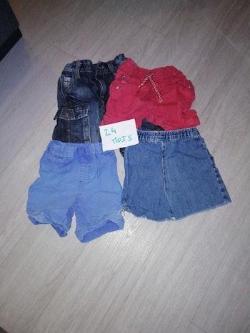 Lot 1 de 4 shorts taille 24 mois