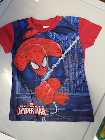Tee-shirt spiderman rouge 8 ans