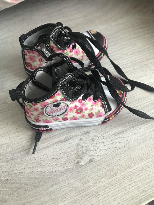 Chaussure fleuri