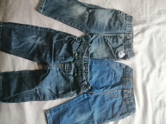 Lot 3 jeans