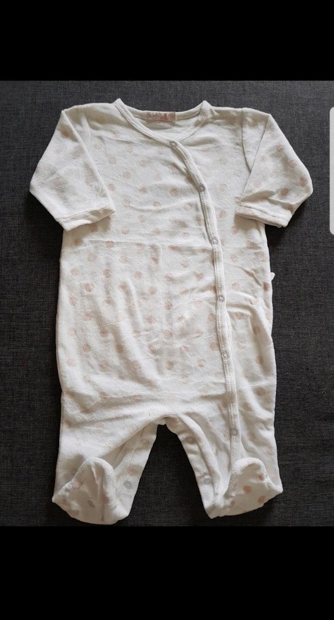 Grenouillère velours bébé fille 6 mois