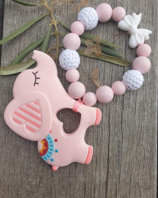 Anneau de dentition Éléphant rose perle crochet