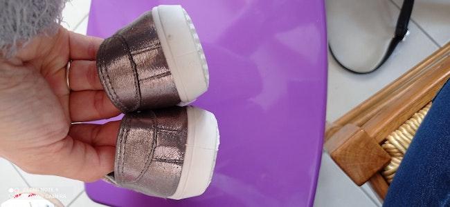 Chaussures neuves brillantesfpf