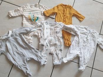 Pyjamas neufs 1mois