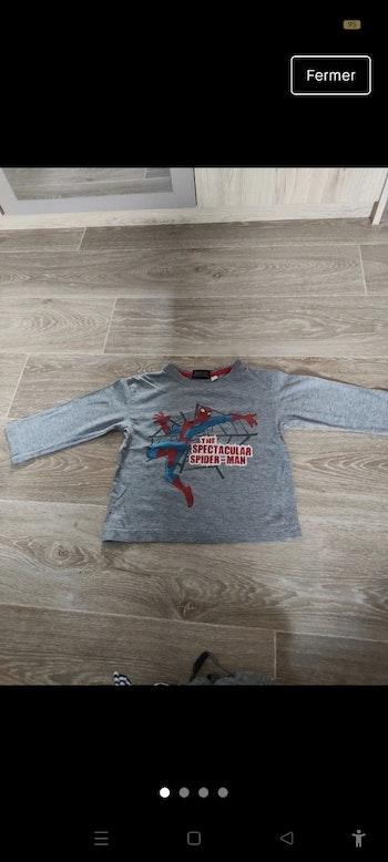 T-shirt spiderman 3 ans