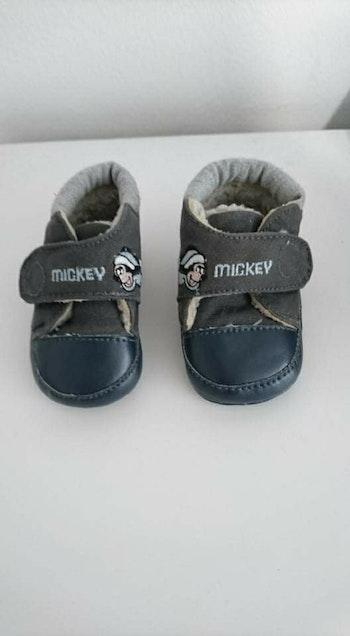 Basket gris Mickey Disney 0/3 mois