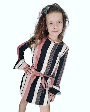 6 ans robe avec ceinture portee 1 fois
