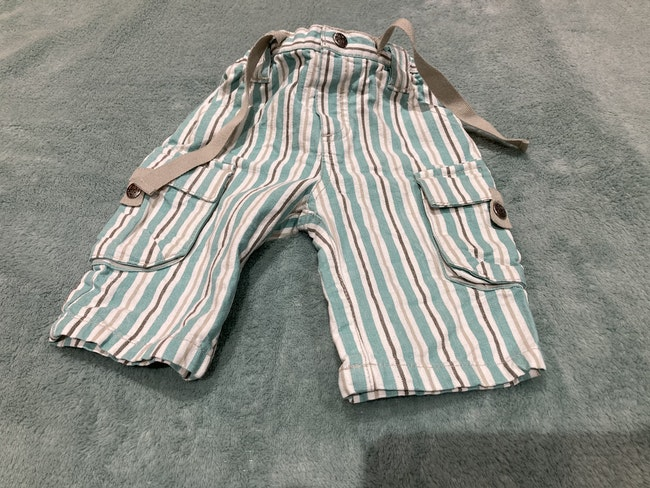 Pantalon léger bleu ciel et blanc 3 mois