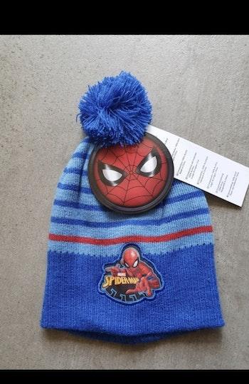 Bonnet Spiderman bleu avec pompons