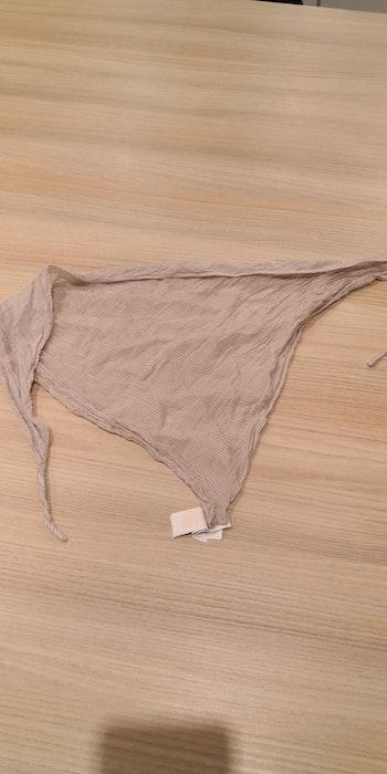 Petit foulard triangle