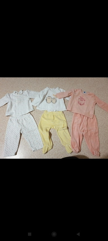 Trois pyjamas 12 mois