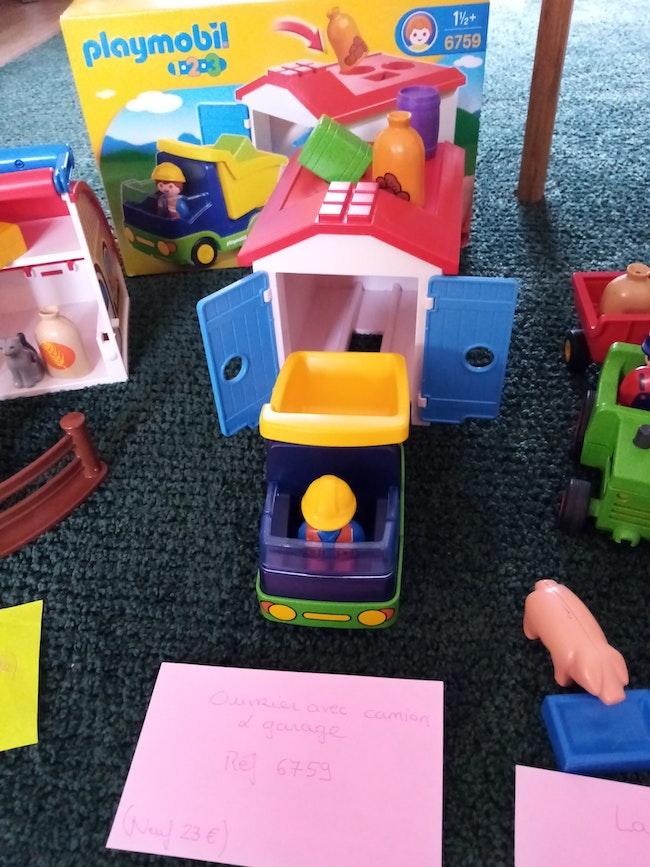 Playmobil 123 ouvrier, camion et son garage à forme