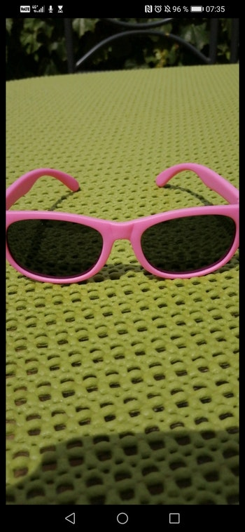 Lunette de soleil rose UV 400