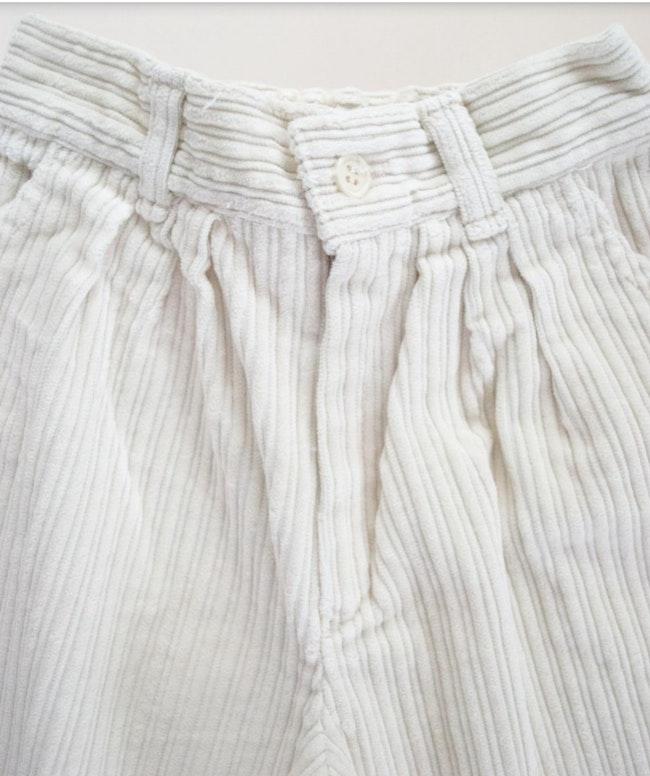 Pantalon velours côtelé écru carotte