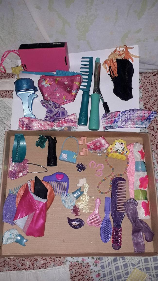 Lot accessoire Barbie le tous 3 euros