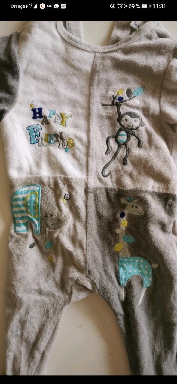 Pyjama TeX taille 9 mois