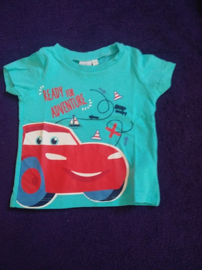 1,5€ Tee shirt taille 6 mois cars