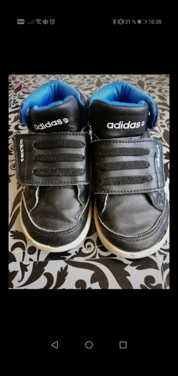 Basket taille 23 noire adidas scratch