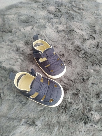 Sandales bleues foncées 3-6 mois