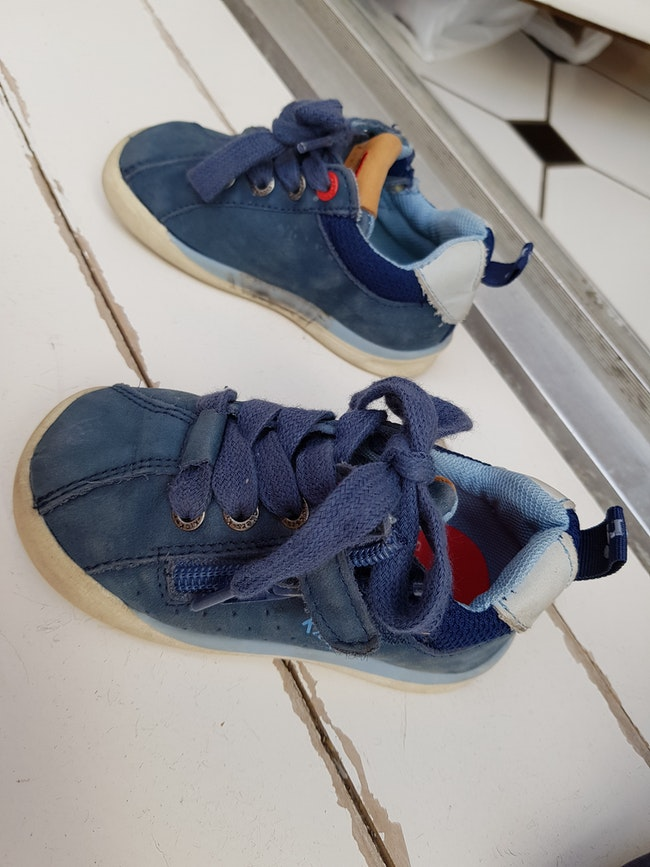 Kickers taille 20 bleues